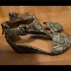 Gentle Souls by Kenneth Cole size 7 Brand New